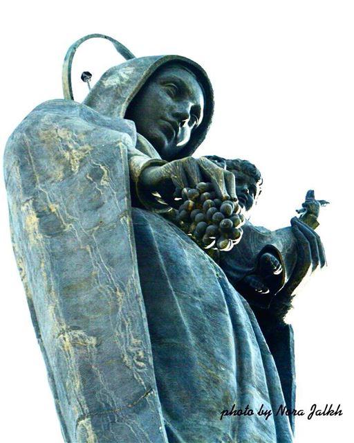 تمثال سيدة زحلة❤❤يا عدرا صلي لاجلنا saydetzahle virginmary lebanon ...