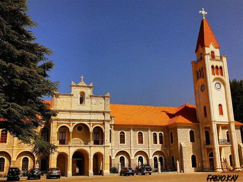 sunday lebanon church jesussaves proudlylebanese jesuschrist bible me... (Diman, Liban-Nord, Lebanon)