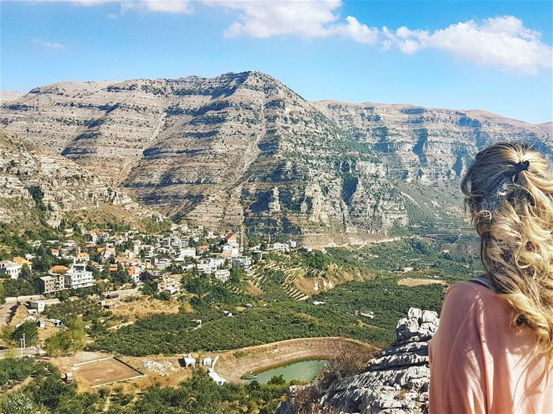 Dear Lebanon, I could gaze at your beauty for hours... 💙💙💙... (Akoura, Mont-Liban, Lebanon)
