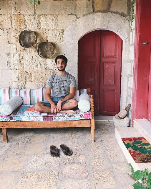 Relaxing afternoon-📷@nady83- lebanon aramoun keserwan old house ... (Aramoun, Mont-Liban, Lebanon)