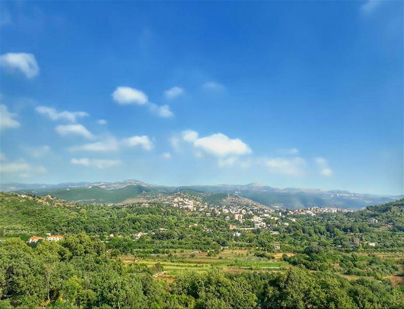 akkar northlebanon kalawounphoto 🏡 monbeauliban thebestinlebanon ... (`Akkar, Liban-Nord, Lebanon)