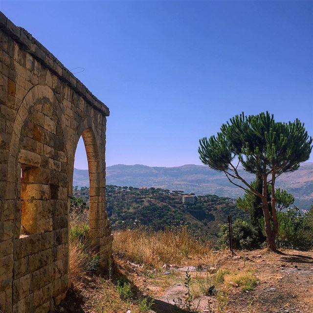 🌳 Live your life by a compass not a clock ....... nature ... (Deïr El Harf, Mont-Liban, Lebanon)