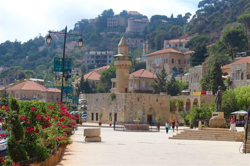 دير_القمر_عاصمة_الامراء lifestylephotography calmplace amazingplaces ... (Dayr Al Qamar, Mont-Liban, Lebanon)
