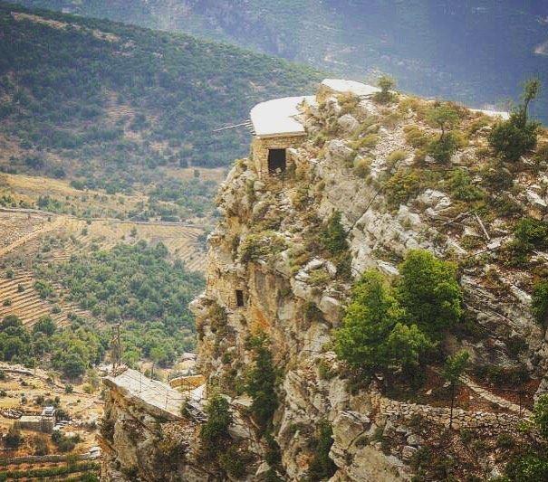 lebanon hardine hermitage monastery lebanonrepost lebaneseview_ ... (Hardin قرية المحابس)