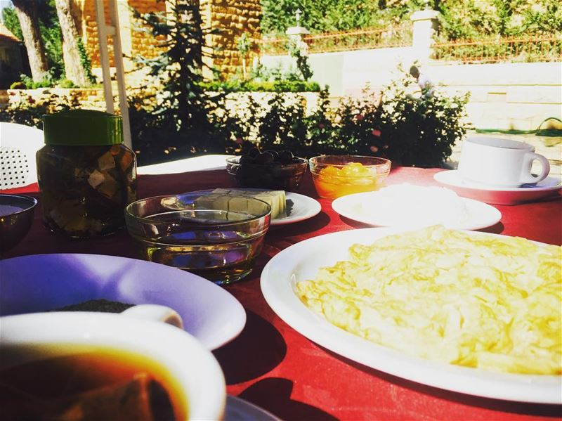 shouf getaway husbandandwife morning breakfast breakfastlover... (Chouf)