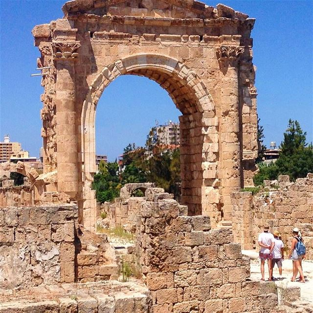The Roman ruins of Tyre never cease to amaze 😍😍 instamoment ... (Tyre, Lebanon)