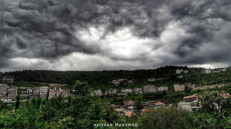 """"""" كل شي حولنا يرحل و يغيب إلا الخّير يظل مغروساً بالنفوس هنيئاً لمن يزرع... (Bakhoun, Liban-Nord, Lebanon)"""