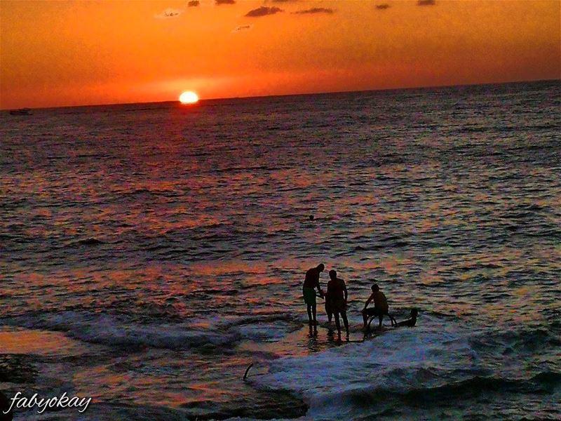 sunset sunsetlovers soliel sol canon_photos fishman naturelovers... (Beirut, Lebanon)