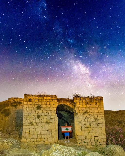 Look Up At the stars , and Not Down at Ur Feet.. !!-_-_-_-_-_-_--_-_--_-_- (Hoûmîne El Faouqa, Al Janub, Lebanon)