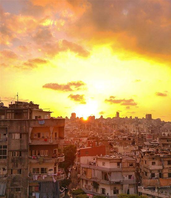 Sunset over Burj Hammoud 😍 lebanon nature naturelovers natureporn ... (Burj Hammud)