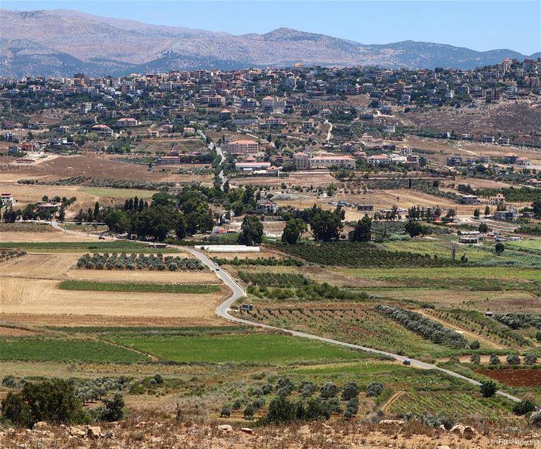 Hometown serenity @livelovemarjeyoun (Marjayoûn, Al Janub, Lebanon)