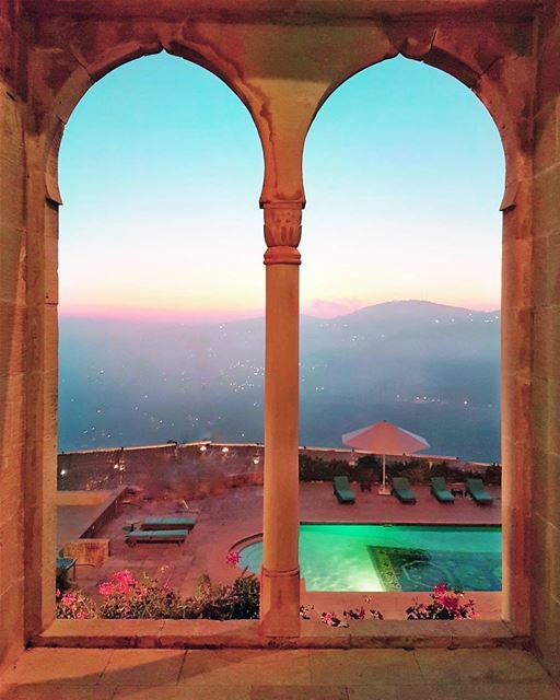 Tales of Arabian nights and surreal sunsets... 💙💛💜... (Mir Amin Palace Hotel)