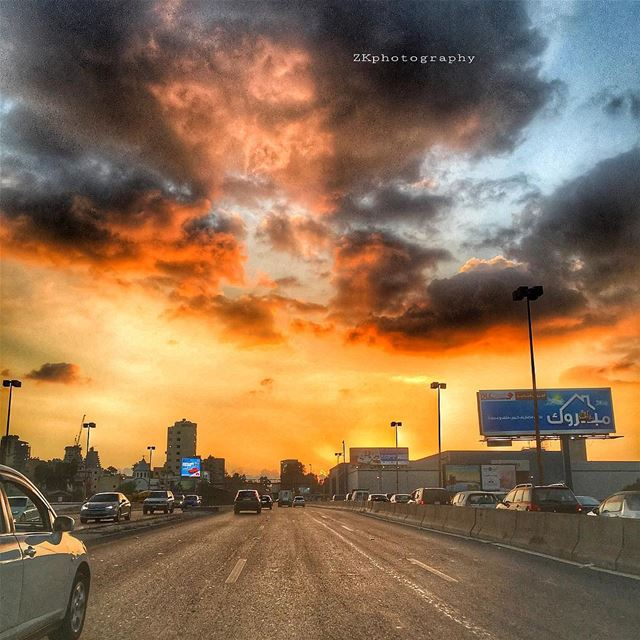Beirut... Sunset 🌅 • ptk_lebanon livelovelebanon beirutconnected ... (Forum de Beyrouth)