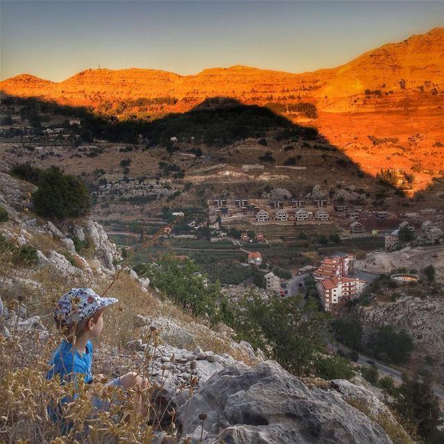 Enjoying the shadows. Sun Shadow Light LiveLoveLebanon wearelebanon ... (Ehmej, Mont-Liban, Lebanon)