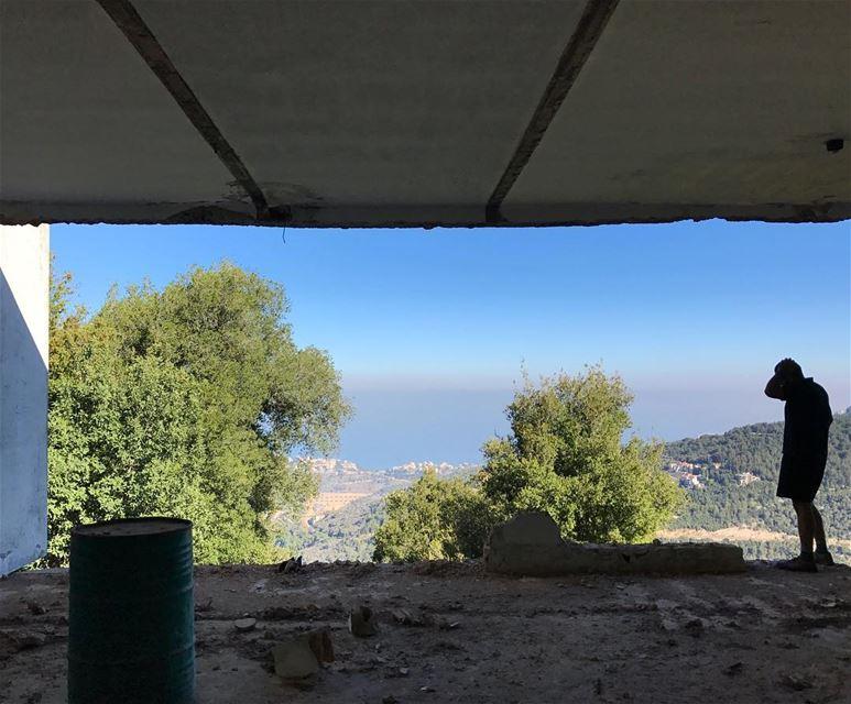 Morning Yawn 😮............ .... lebanon beirut ... (Chahtoul Kesrouan)