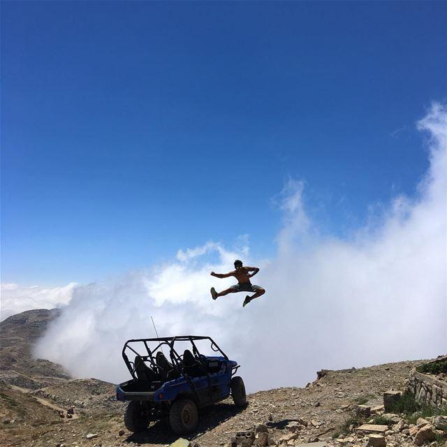 King @mariochiha Magical jump 🕺🏻 peterwenmaken @livelovefalougha (Al Knaysah, Mont-Liban, Lebanon)