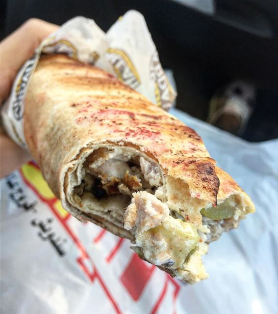 yummy yummyfood chickensandwich lebanon ... (Al Abdalla Resturant/مطعم العبدالله)
