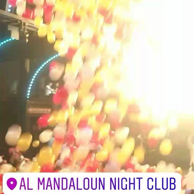 Balloons shower ! summer vacation lebanon livelovelebanon ... (Al Mandaloun night club)