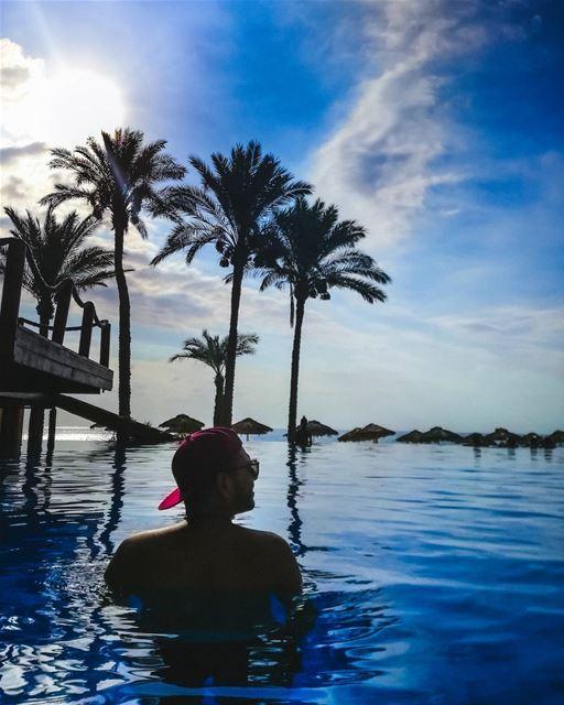 Blue 💙☀️ Relax Summer Pool beach Fresh Cool Tanning featuremeofh... (Janna Sur Mer)
