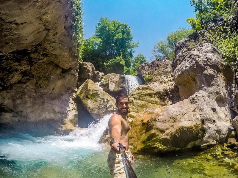Small refresh break ☺️ (Akoura, Mont-Liban, Lebanon)