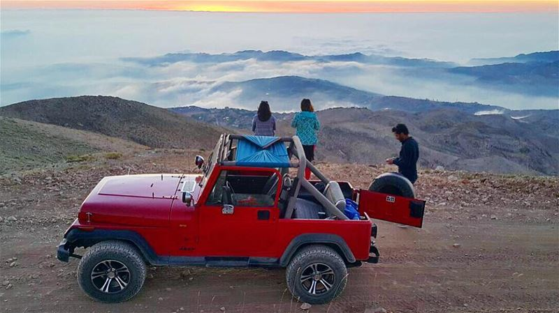 Yesterday was full of surprises 🌅☁️ 👭👬Thank you✨  offroad ... (Mzaar 2400m)