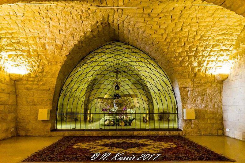 saintrafqa stones cave mountain ngconassignment Lebanon north ... (St Rafqa-Jrebta)