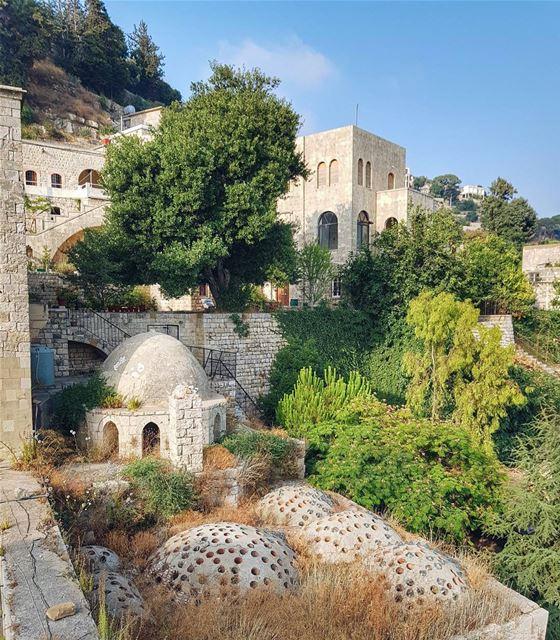 Ottoman hamam in Deir el-Qamar 🌙 Женщина в платке - несчастна, зависима и... (Deïr El Qamar, Mont-Liban, Lebanon)