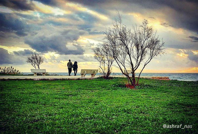 يُسمعني حينَ يراقصُنيكلماتٍ ليست كالكلمات...يأخذني من تحتِ ذراعييزرعني ف (Tyre, Lebanon)