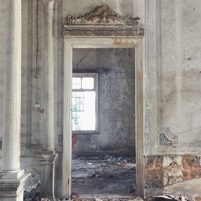 doorway without a door 🚪