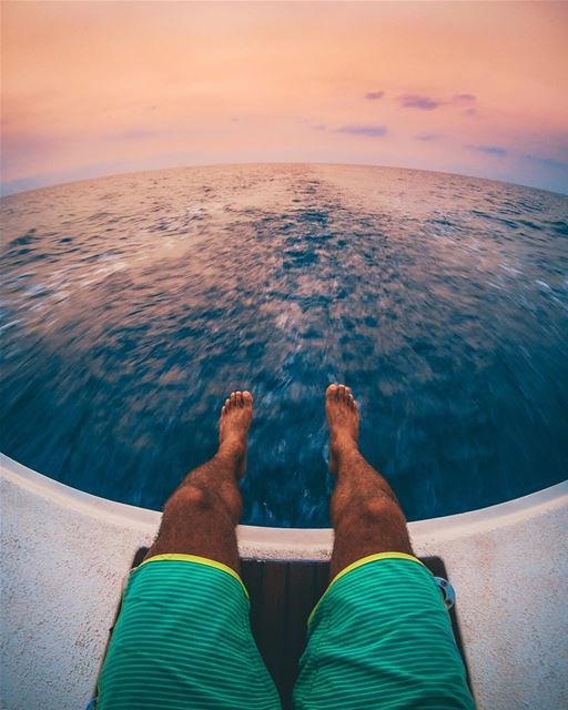 After spending a great day sailing, that's how you end it ⛵️🌅Photo taken... (Batroûn)
