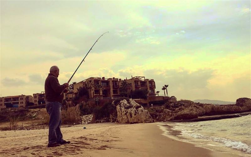 That's what makes Lebanon unique and pretty, even in winter, fishing is... (Byblos - Jbeil)