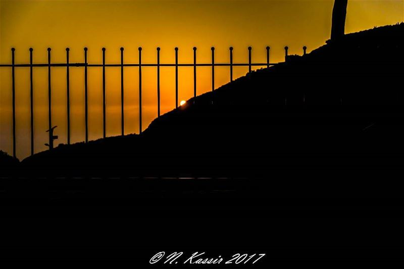 mountains  sunset  silhouette  fence  sky  horizon  ig_great_shots ... (St Rafqa-Jrebta)