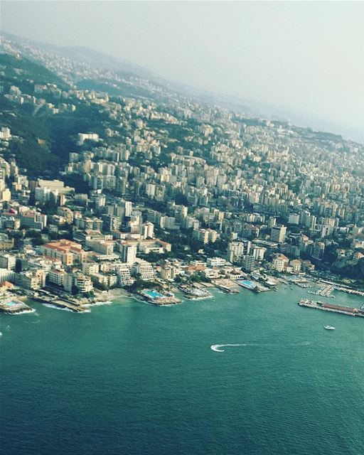 🚁 you can't fall if you don't climb.But there is no joy in living your... (Jounieh, Liban)
