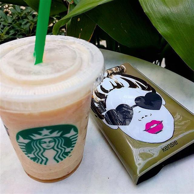 Coffee in a  hotdays 🌞🕶☕️.. .. starbuckslover  starbucksaddict ... (Starbucks - Raouche)