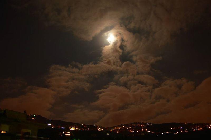 night lights breath fearless perspective confidence ... (Aïn El Kharroûbé, Mont-Liban, Lebanon)