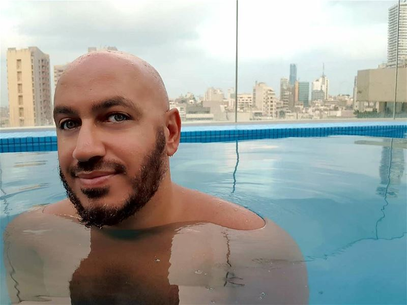 🇱🇧🌞☕ beirut 6am rooftop selfie pool sunrise swim view summer ... (Royal Tulip Achrafieh Hotel)