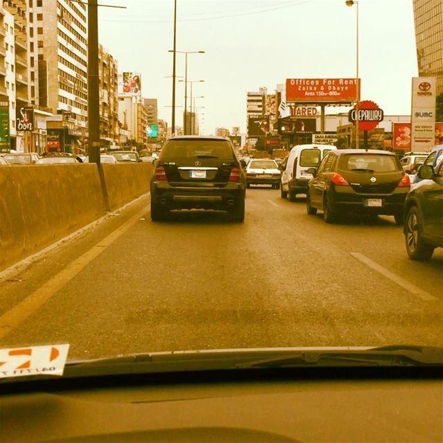 Traffic Jam 🚗 Arabic music George Wassouf 🎶 onlyfiliban lebanon cars ... (Beirut, Lebanon)