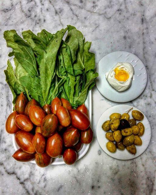 Yum 🙈••• vegetables veggies dinner dinnertime dinnerisserved eat... (Beirut, Lebanon)