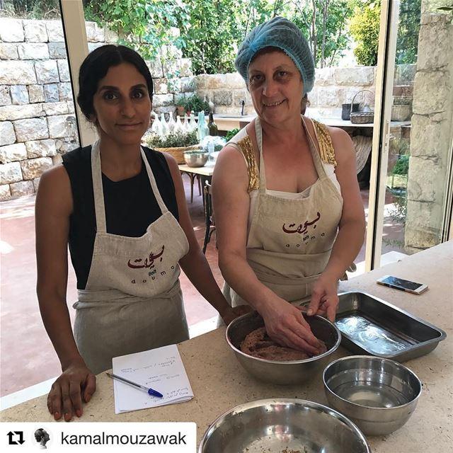 Cooking class at beit douma ... how to make z best kebbeh ?! Repost @kamal