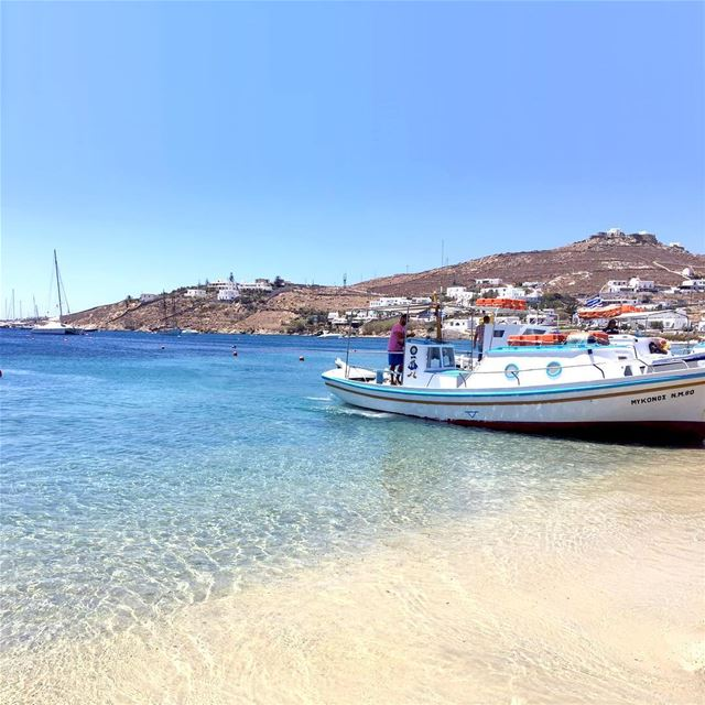 Exploring the Clear waters of Mykonos, refreshing and super cold zzzz.... (Ornos Beach)