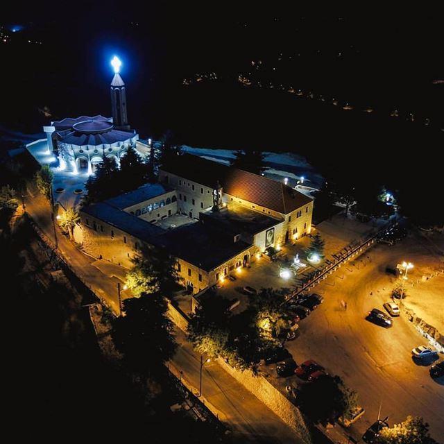 📲Turn ON Post Notifications 🌄Amazing view from annaya 📸Photo by @gero0o (Mar Charbel Anaya , Deir Mar Maroun)