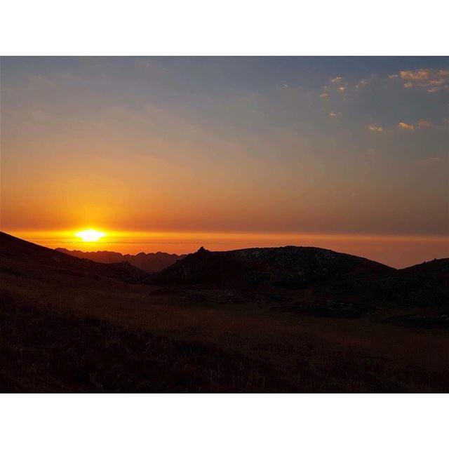 🌅 ..... sky sunset mountains naturelover wanderlust peaceofmind... (El Laklouk, Mont-Liban, Lebanon)