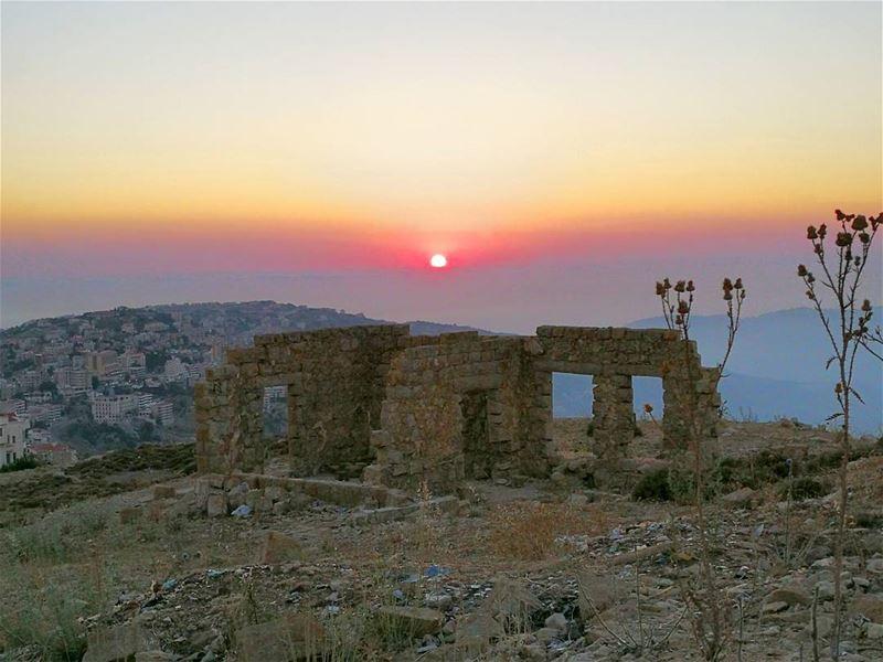 sunset sunsetlovers soliel me skypron skylovers skyline igers instalike...