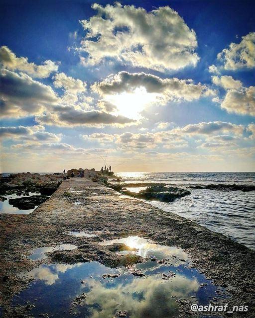 متى ستعرف كم اهواك يا رجلاًابيع من اجله الدنيا وما فيها...لو تطلب البحر ف (Tyre, Lebanon)