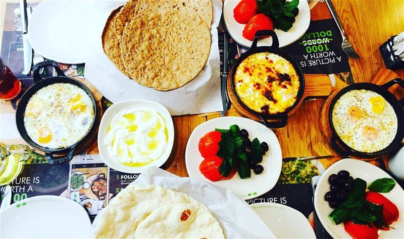 foodphotography weekend lebanesebreakfasr foodstyling foodinsta...