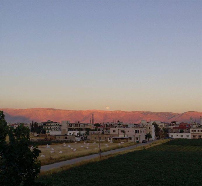 throwback The moon 😍 シAweSomeNesSツ myshot moon sky photographer... (El Marj, Béqaa, Lebanon)