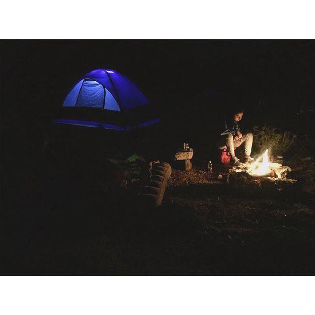 ⛺️... camping tent meteorshower sky stars fire peaceofmind ... (Kfardebian,Mount Lebanon,Lebanon)
