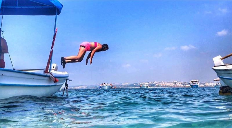 The big blue is calling 🤸🏻‍♂️ jumping swimming mediterranean sea ... (صور - مدينة الأبجدية)