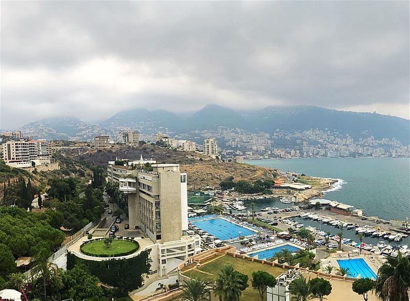 Happy Sunday 😍 whatsuplebanon livelovebyblos insta_lebanon ig_lebanon ... (Aquamarina 2 Complex)