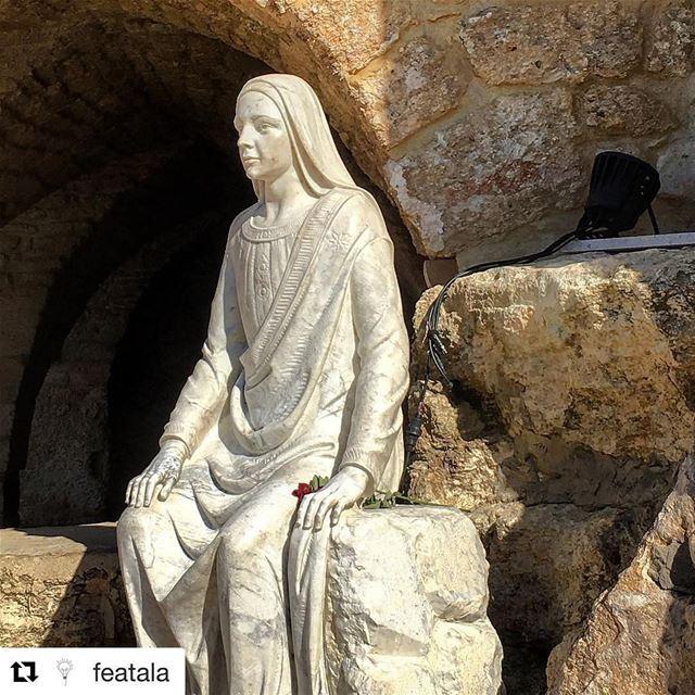 Repost @featala ・・・🇱🇧 Gruta de Sayidet al-Matara = Gruta da Nossa... (Maghdoûché, Liban-Sud, Lebanon)